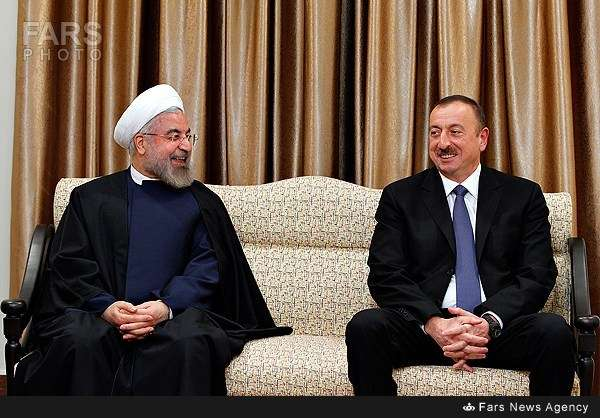 Ruhani: İran Qarabağ probleminə son qoymaq üçün kömək etməyə hazırdır