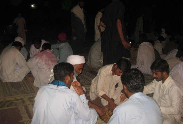 ڈی آئی خان، ایس یو سی خیبر پختونخوا کے صدر علامہ رمضان توقیر کیجانب سے شہداء کے ورثا کے اعزاز میں افطار پارٹی