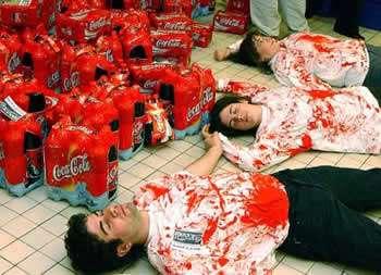 """""""Coca Cola"""" Bakı mağazalarından məhsulların yığılmasını təsdiqlədi"""