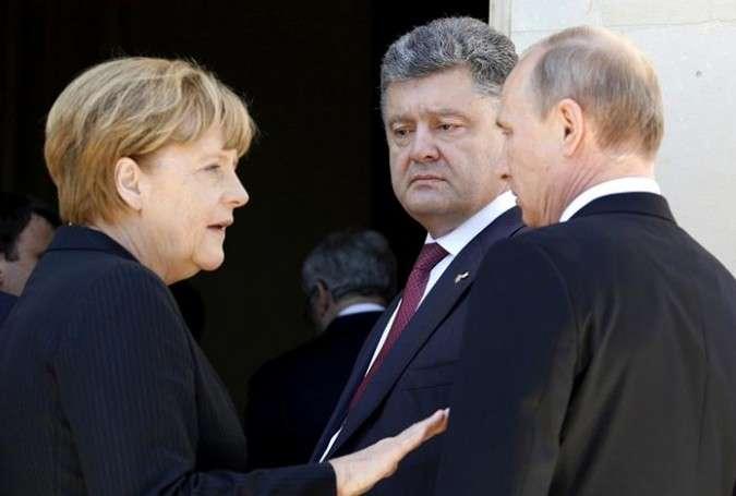 Putin Merkel, Olland və Poroşenko ilə Ukraynadakı vəziyyəti müzakirə edib