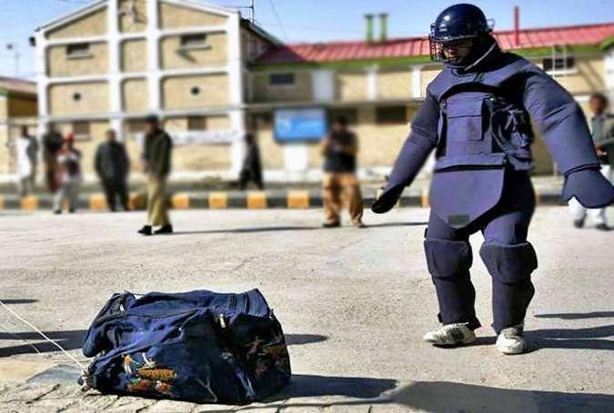 کراچی میں کاؤنٹر ٹیرایزم ڈیپارٹمنٹ کے آفس کے باہر سے بم برآمد