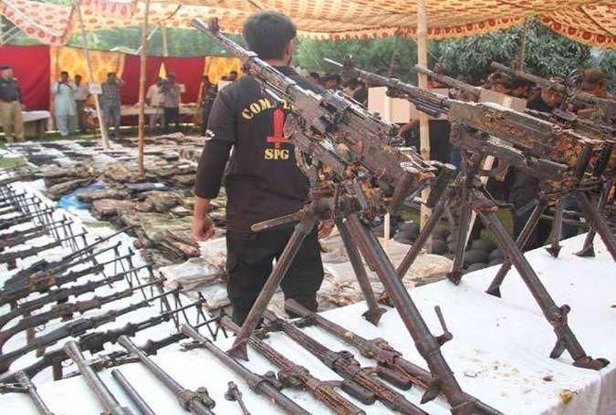 کراچی میں پکڑے گئے اسلحہ کی مقدار سے ریاستی ادارے پریشان، اسلحہ کی برآمدگی کسی بڑی عسکری پیش قدمی کو روکنے سے کم نہیں