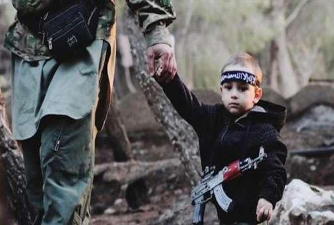 تروریستهای داعش کودکان را بمبگذاری می کنند!