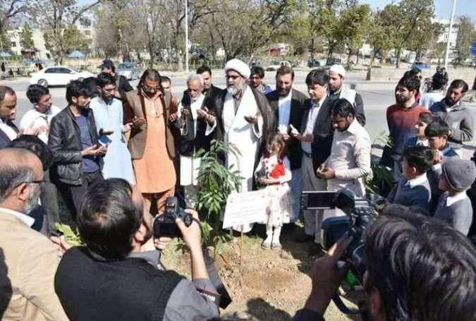 علامہ ناصر عباس جعفری نے پودا لگا کر شجرکاری مہم کا آغاز کردیا