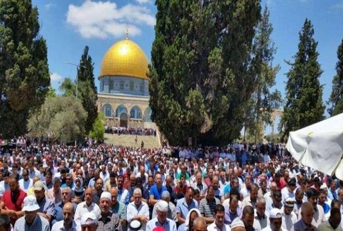 25,000 Palestinians Attend Friday Prayers at Al-Aqsa Mosque