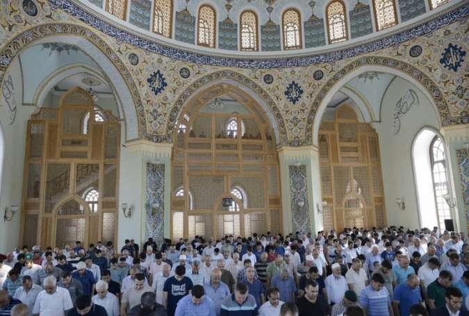 نماز عید قربان در مساجد باکو اقامه شد
