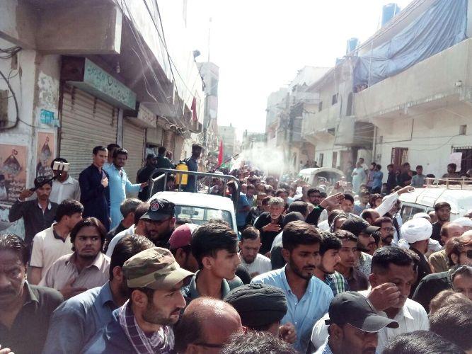 کراچی، جیل بھرو تحریک کا دوسرا مرحلہ، علامہ احمد اقبال رضوی نے 3 افراد سمیت احتجاجاً گرفتاری پیش کر دی
