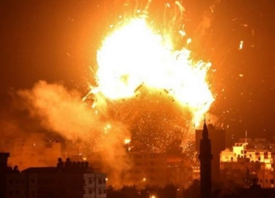 Sionist rejim Qəzza zolağını bombalayıb