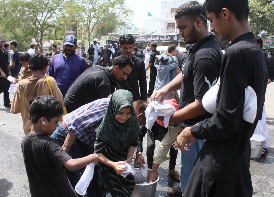 اکیس رمضان یوم شہادت امام علی علیہ السلام کے موقع پر کراچی کے مرکزی جلوس کی تصویری جھلکیاں