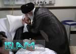 """Pemimpin Revolusi Islam Kunjungi Ayatullah Makarem di Rumah Sakit  <img src=""""https://cdn.islamtimes.org/images/picture_icon.gif"""" width=""""16"""" height=""""13"""" border=""""0"""" align=""""top"""">"""