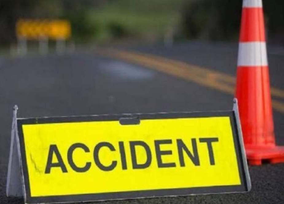 خانیوال میں بس الٹنے سے 6 مسافر جاں بحق، 30 زخمی