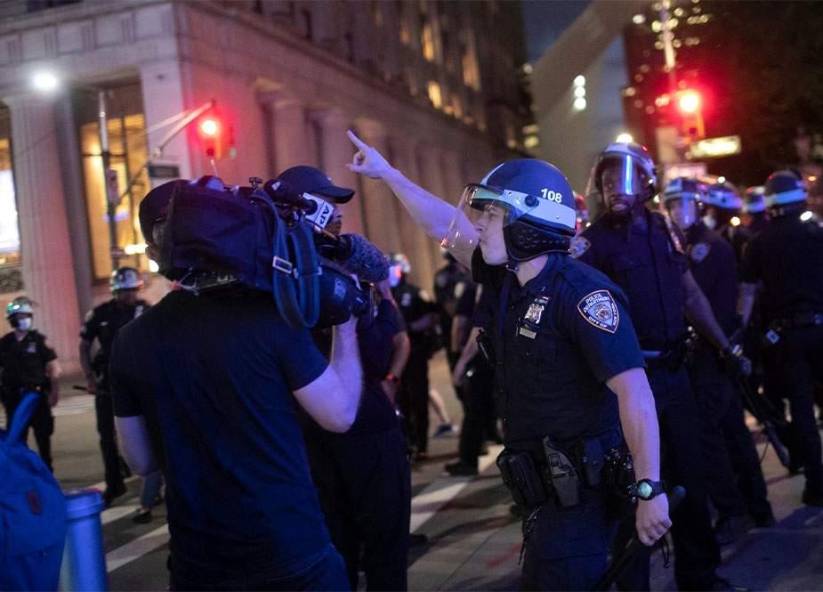 """""""Press Freedom Tracker"""": ABŞ-da polislə jurnalistlər arasında 405 insident yaşanıb"""
