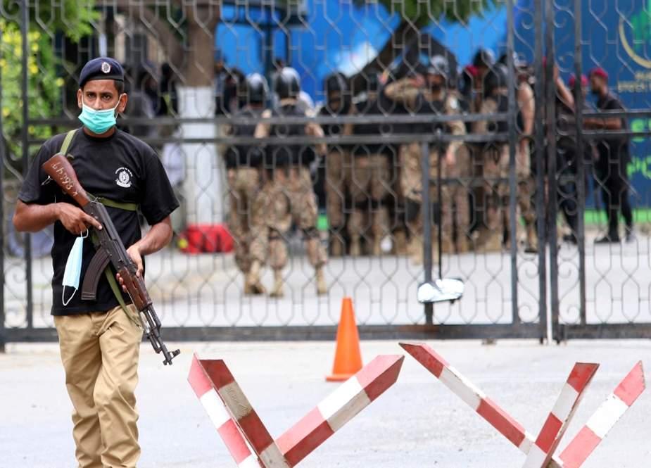 اسٹاک ایکسچینج حملہ، پولیس اہلکاروں کیلئے 20 لاکھ کے انعام کا اعلان
