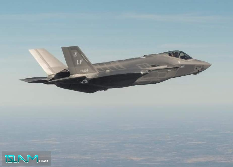 US F-35 Jet Crashes after Clipping Wings with Refueling Plane