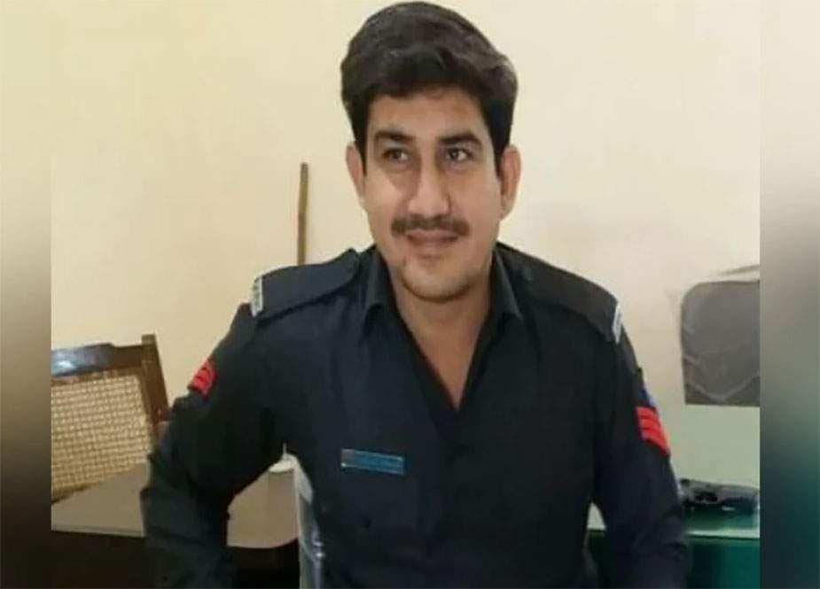 کراچی میں شہری کو لٹنے سے بچانے کی کوشش میں ڈاکو کی فائرنگ سے پولیس اہلکار شہید