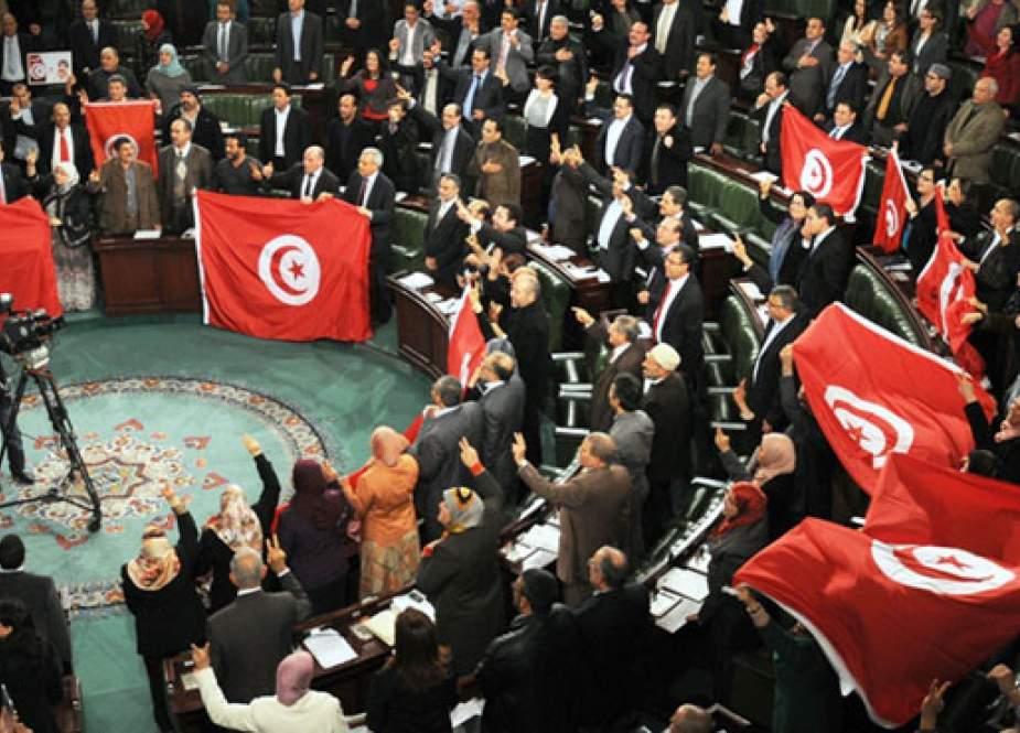 سه بحران بزرگ تونس یک دهه پس از انقلاب