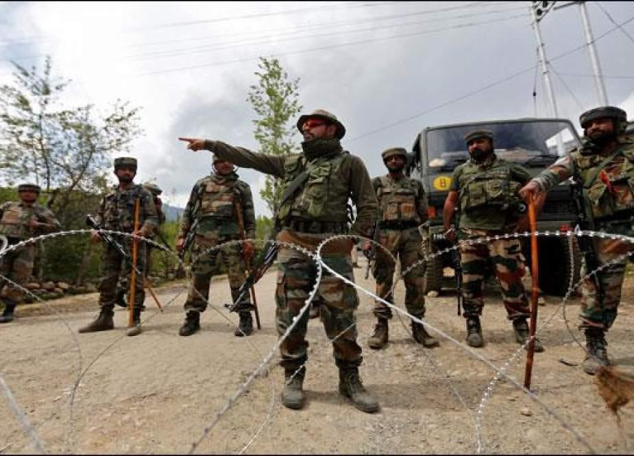 بھارتی فوجی نے 20 لاکھ روپے کے عوض ایک فرضٰی انکاؤنٹر میں 3 کشمیریوں کو شہید کیا