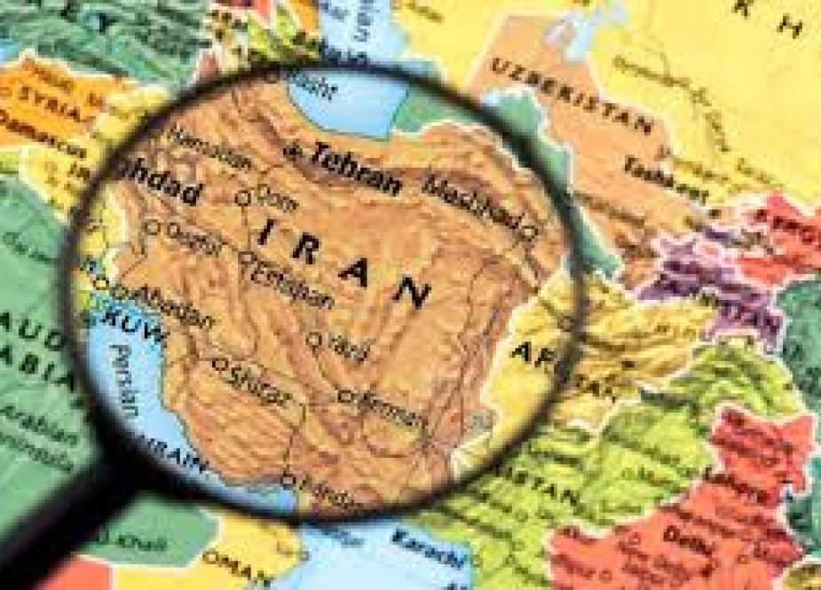 امام خمینی(ره): اسلام ابرقدرتها را به خاک مذلت مینشاند