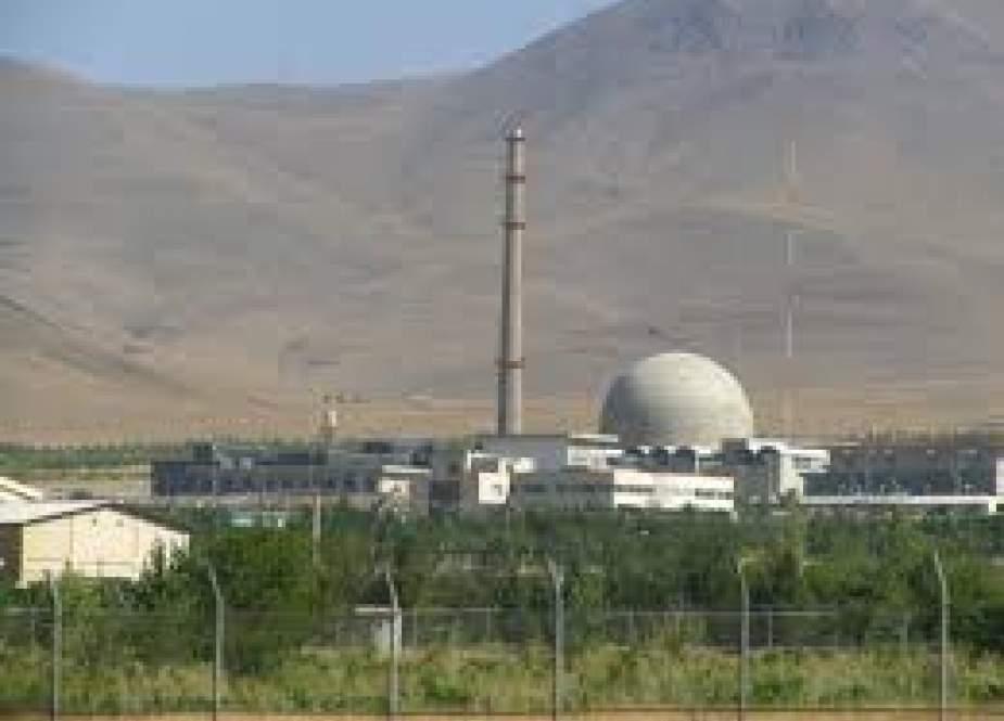 انقلاب اسلامی و چالش هسته ای ایران