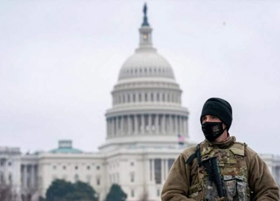 حمله با خودرو به کنگره آمریکا/ ۲ پلیس زخمی شدند