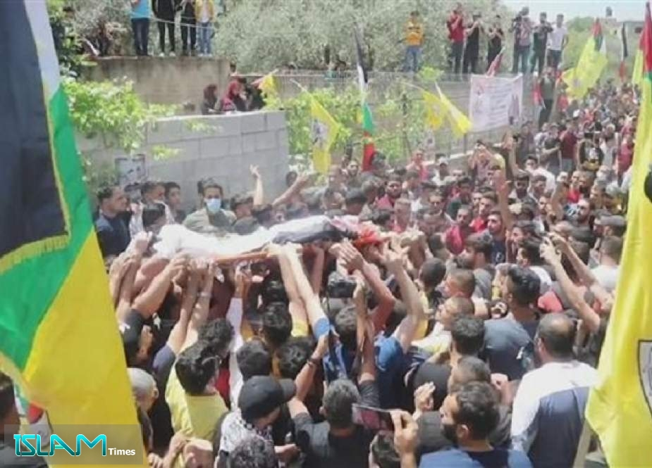 Palestinians Bury Teen Martyred by Israeli Troops during Search for Shooter