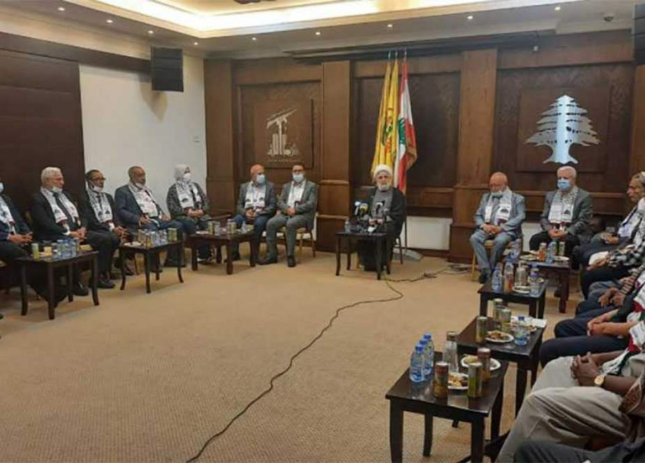 Sheikh Naim Qassem, recieved Arab delegation.jpg