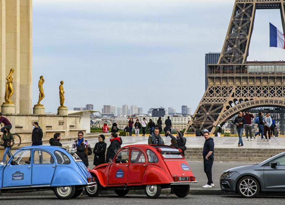 فرنسا ترفع حظر التجول كلياً