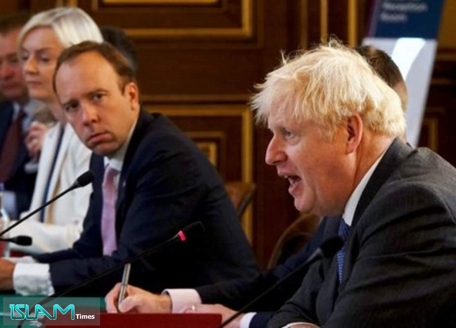 Ex-Aide Texts Show UK PM Calling Health Secretary 'Totally Hopeless'