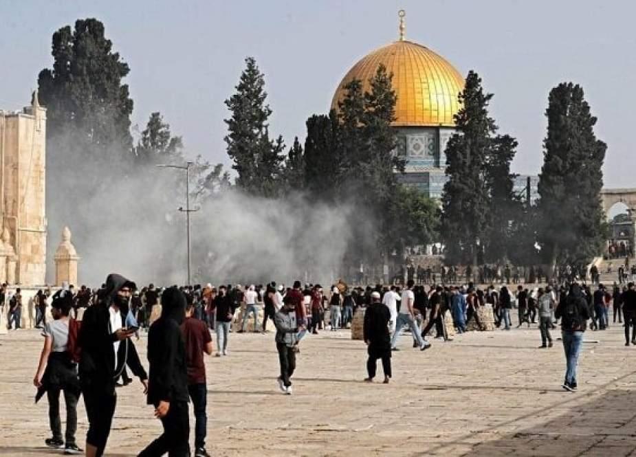 Warga Palestina Menggelar Demo Ekstensif Di Masjid Al-Aqsa