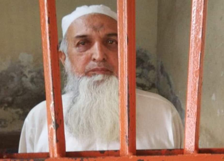 طالبعلم سے بدفعلی کرنیوالا مفتی عزیز الرحمان بیٹے سمیت گرفتار