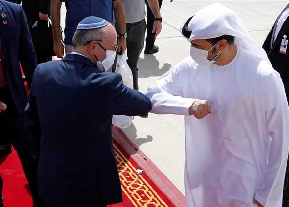 من الإمارات هنا ''إسرائيل''.. خيانة متصاعدة وعمالة غير مسبوقة