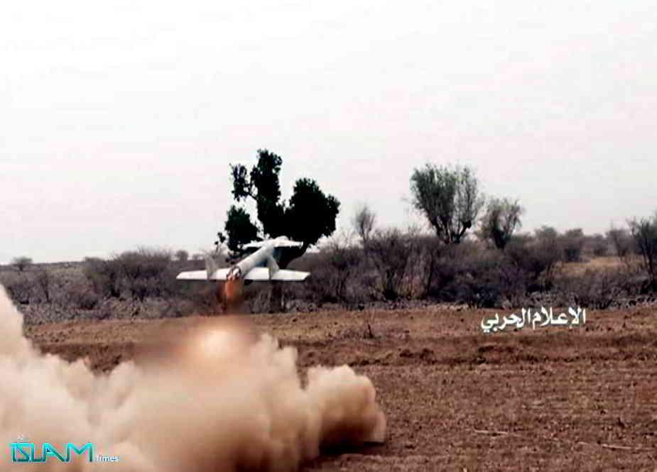 """جارح سعودی عرب کے """"الودیعہ"""" فوجی اڈے پر 10 یمنی ڈرون طیاروں کا کامیاب حملہ"""