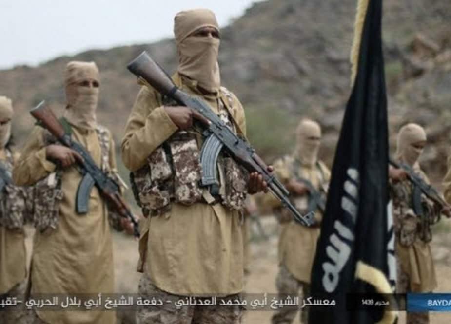 مقام یمنی: آمریکا در کنار القاعده و داعش میجنگد