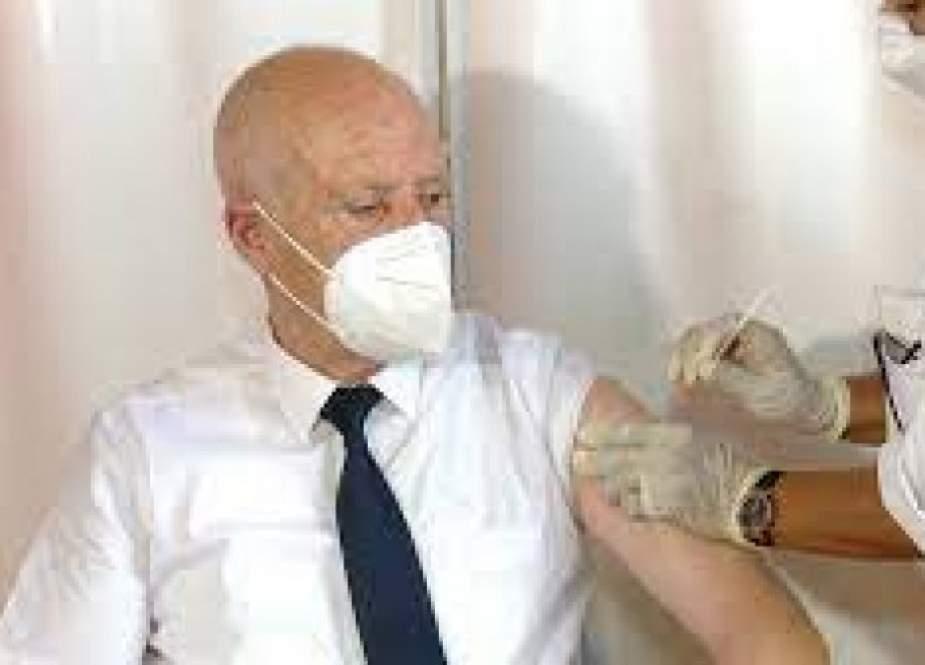 الرئيس التونسي للتونسيين: اللقاح سيصلكم لمنازلكم