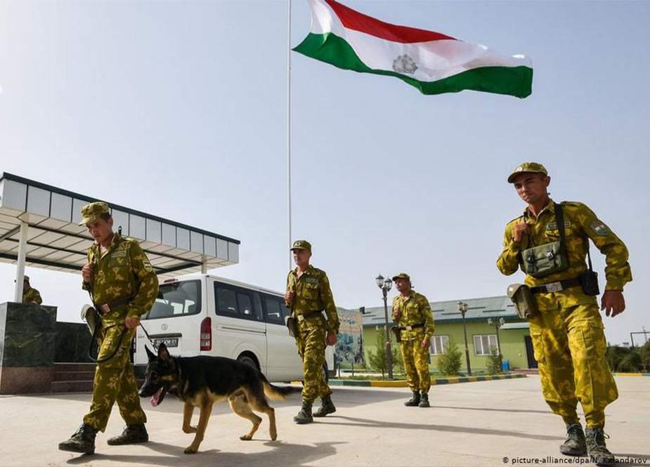 Tacikistan Talibandan qaçan əfqanları geri qaytardı