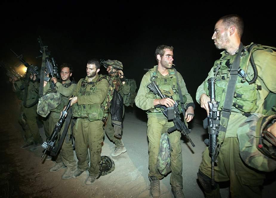 Israeli occupation soldiers near Lebanese border.jpg
