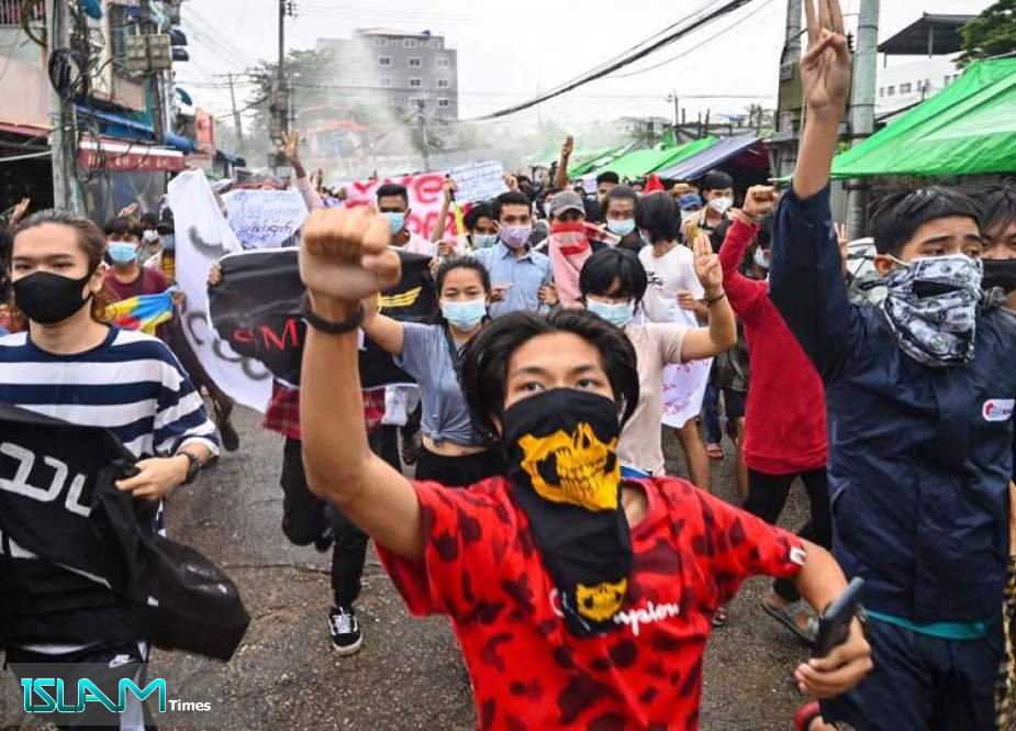 Anti-Coup Activists in Myanmar Expand Demonstrations Nationwide