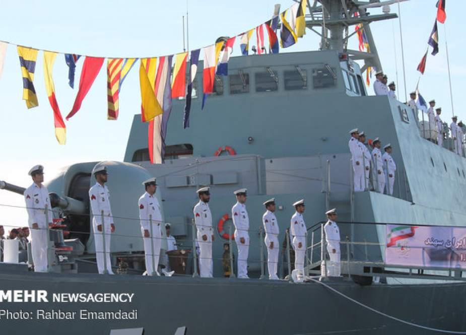 Armada Angkatan Laut Iran Tiba Di St. Petersburg