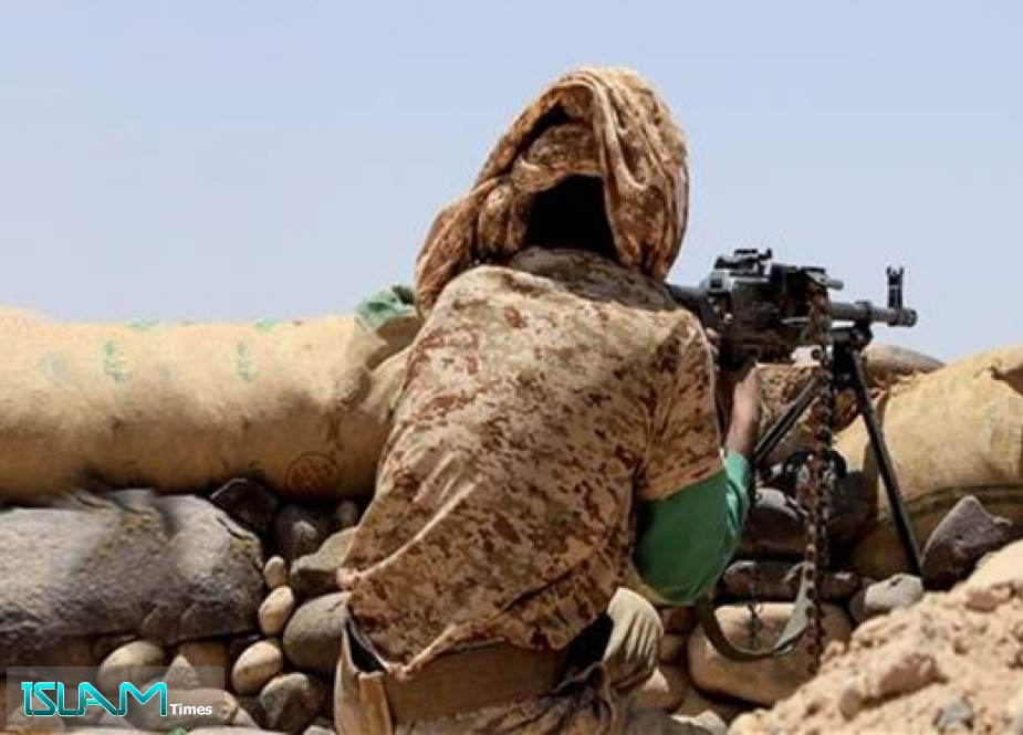 Yemeni Soldiers, Allied Fighters Win Control over Strategic Hilltop in Shabwah