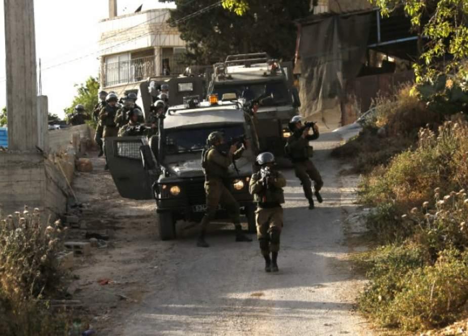 تعطل آلية للاحتلال خلال فعاليات الإرباك الليلي في الضفة