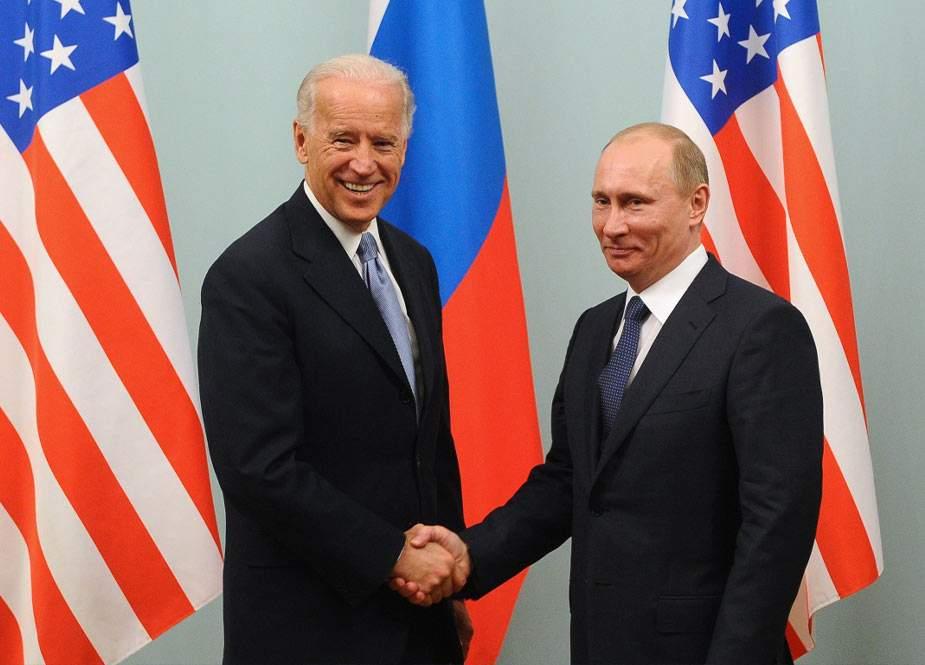 Köməkçisini özü ilə səhv salan Bayden Putində nə gördü?