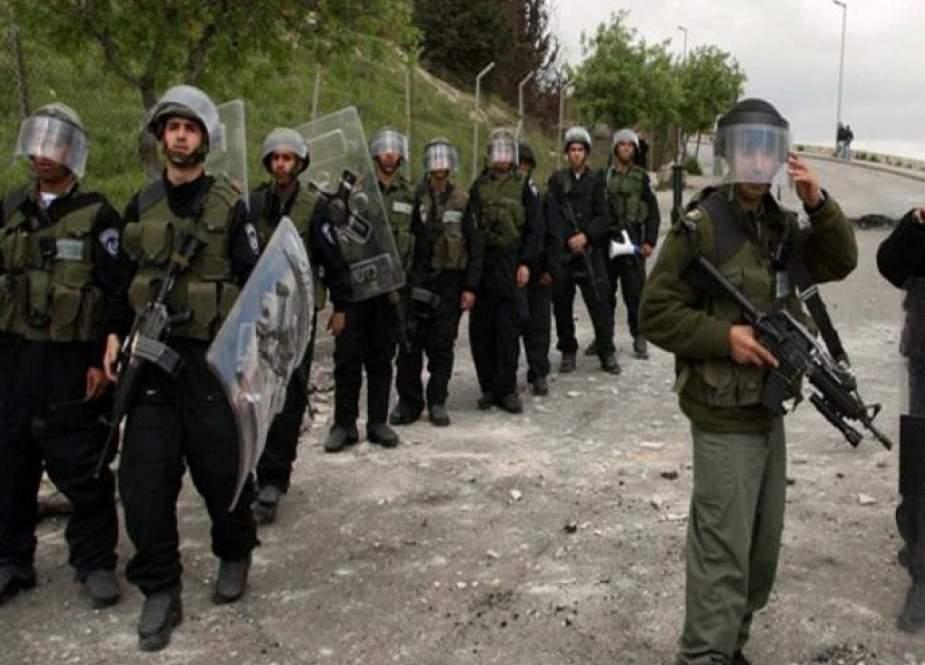 قوات الاحتلال تقتحم منازل قيادات بحماس