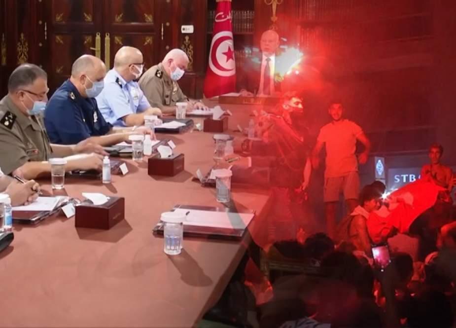 قرارات تونسية مفاجأة.. هل هي انقلاب على الديمقراطية أم بداية ولادة جديدة لها؟