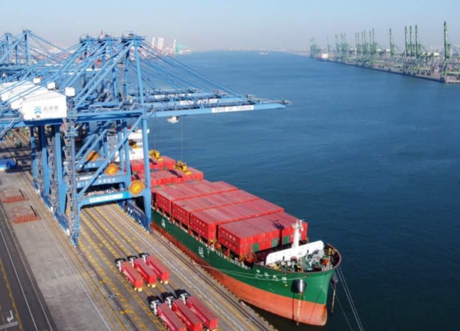 چینی سے بھرا کنٹینر سمندر میں جا گرا، کروڑوں روپے کا نقصان