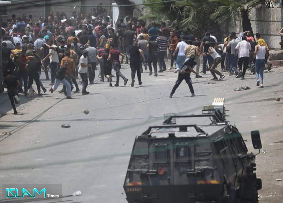 Palestinians Demonstrate against Settlements, Evictions in Jerusalem al Quds