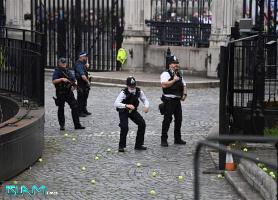 Assaults on Police in England, Wales Rise above 100 A Day during Pandemic