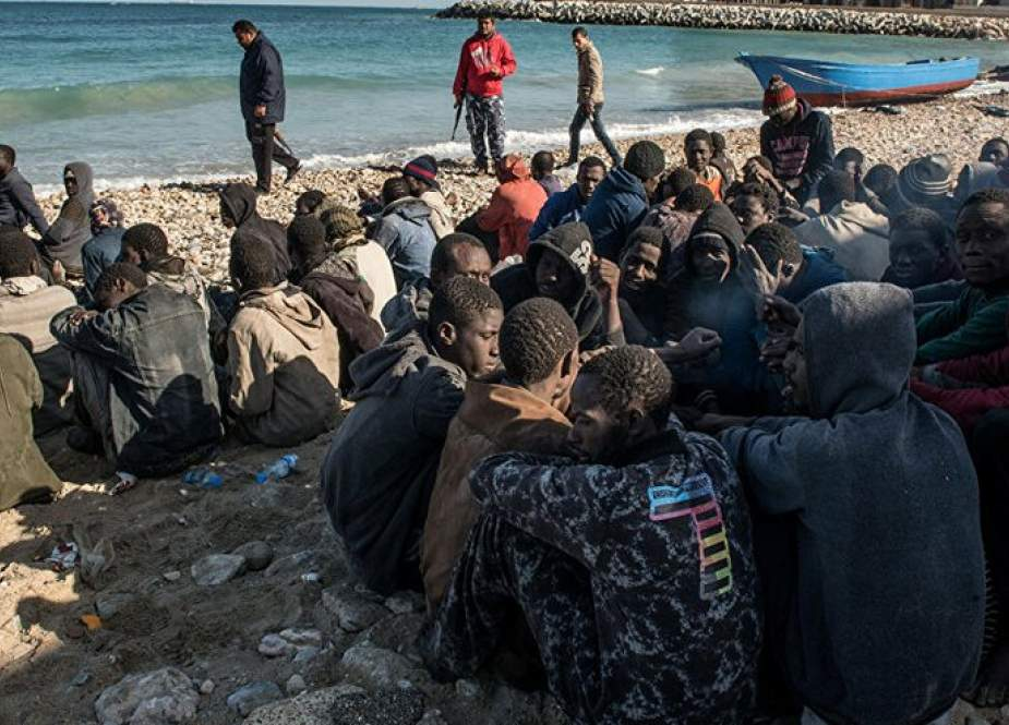 انقاذ أكثر من 700 مهاجر قبالة شواطئ ليبيا
