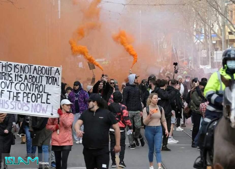 Australian Police Clash, Arrest Anti-Lockdown Protesters in Sydney, Melbourne