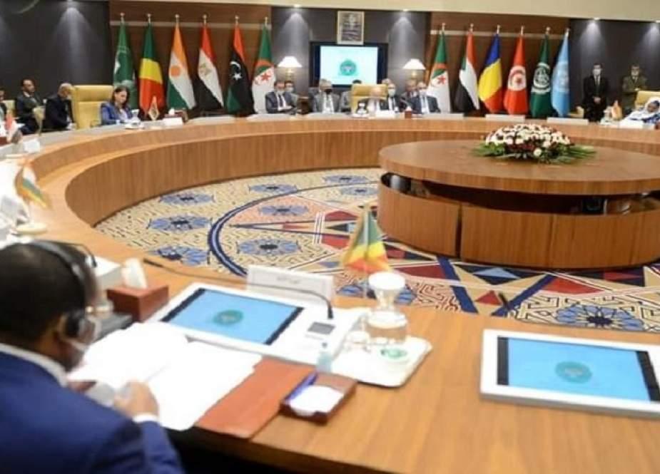 الجزائر تفتتح مساراً جديداً للحلّ في ليبيا