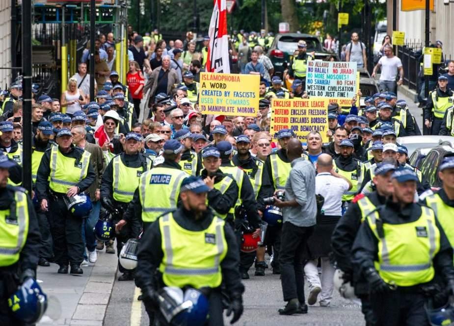 Antifa Protesters,  anti-migrant rally in London